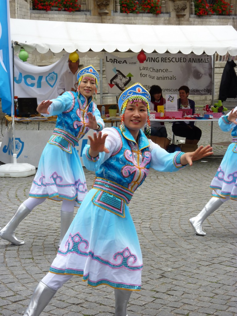 表演蒙古舞蹈2